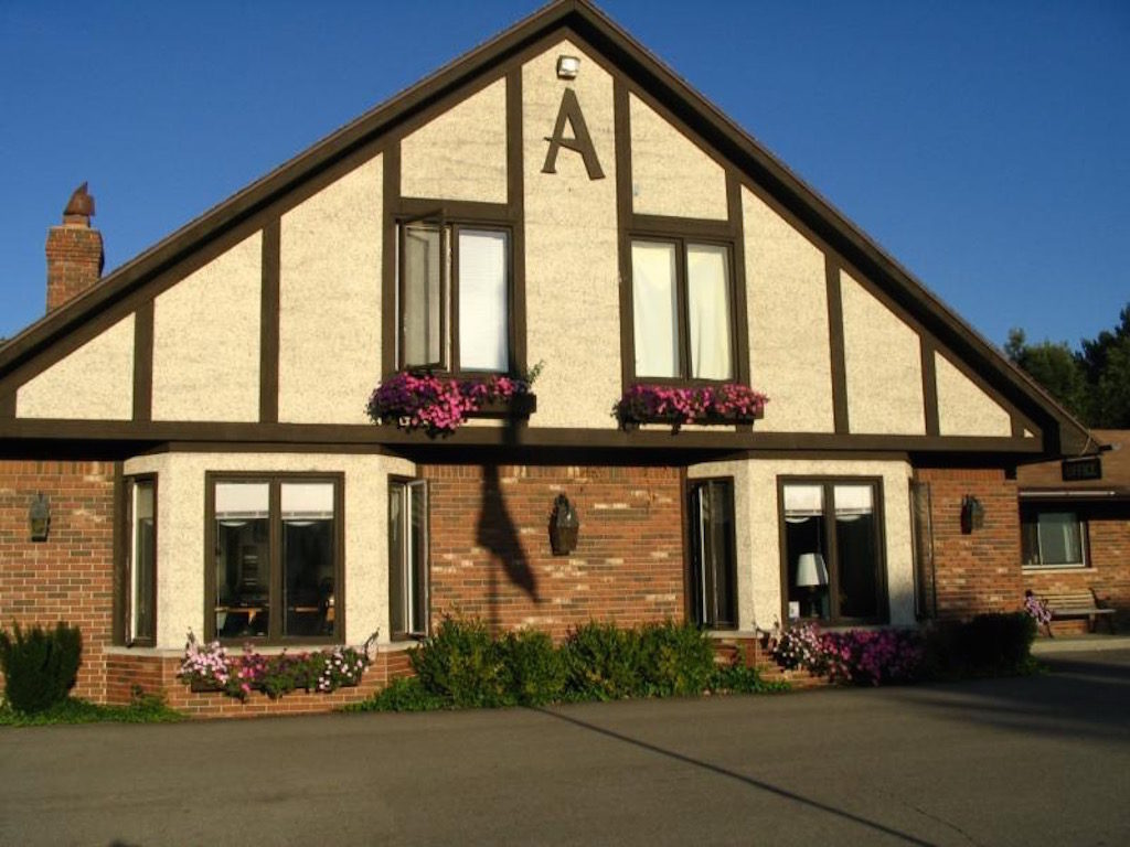 Inn at the Alpine