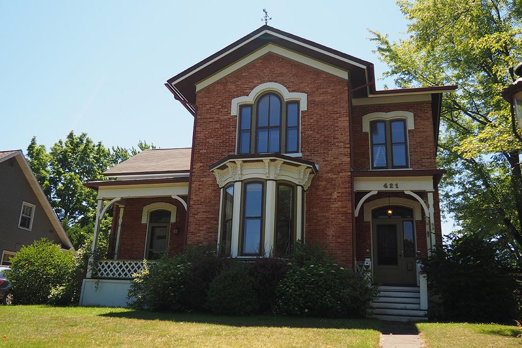 The Leonard Home