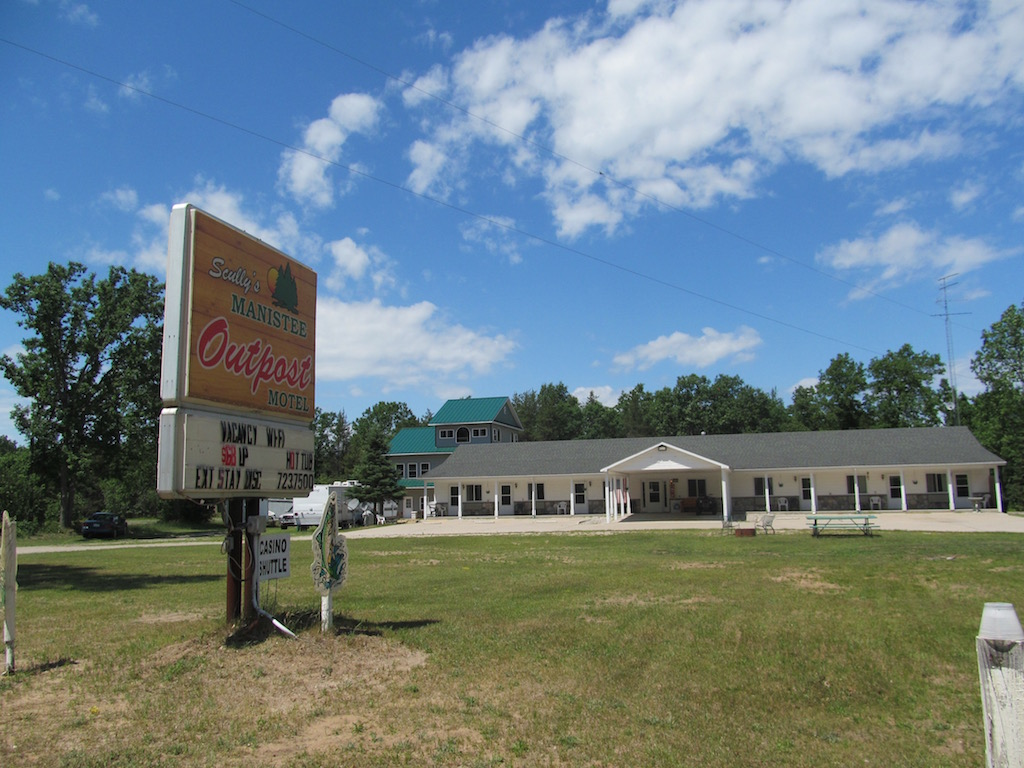 Manistee Outpost Motel