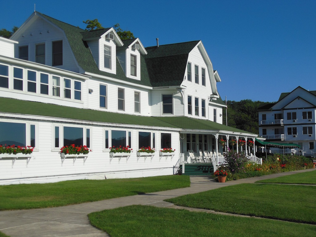 Manistee Hotels Motels